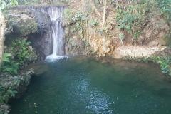 Dayhag Falls - menší vodopádky s ozvžujícími jezírky