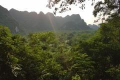 Cat Ba - Hospital cave výhled do jungle