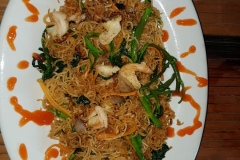 Nudle s krevetama z Ladybird Ngoc Linh Restaurant