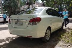 Přebíráme auta u Panglao Resortu. Vždy foťte detaily a pokud mžno tak, aby tam byl vidět i zástupce půjčovny