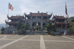 Sapa - chrám u lanovky na Fansipan